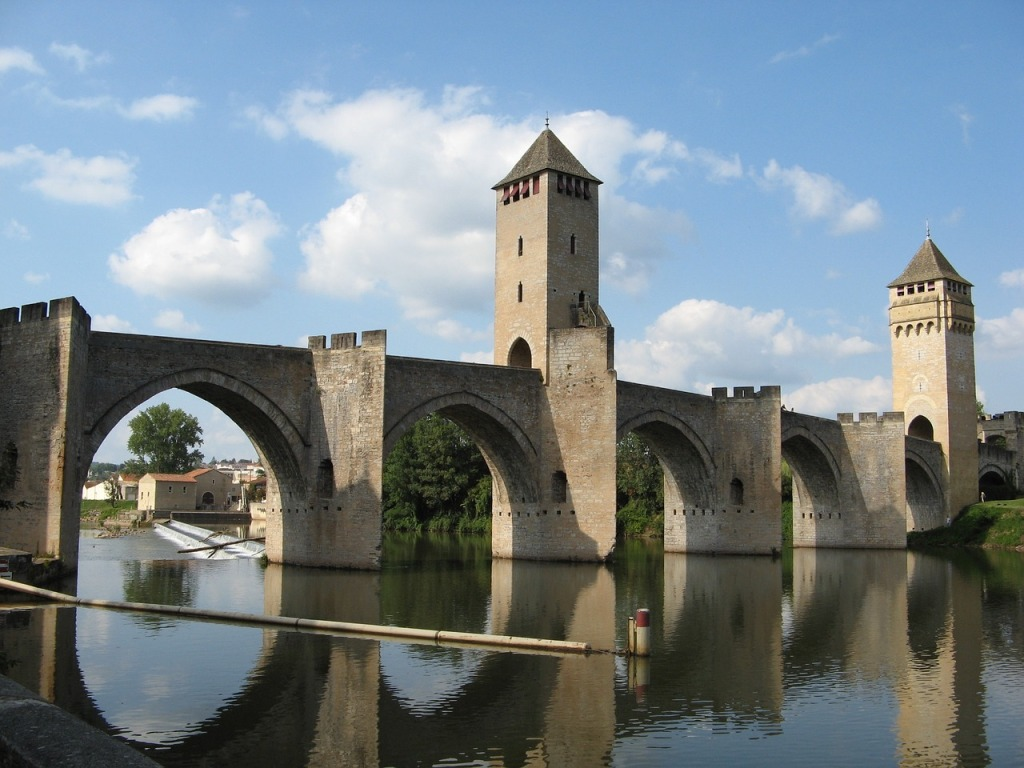 A front-on view of Pont Valentré